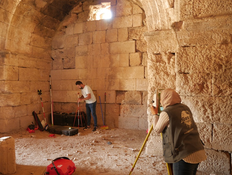 Total station training in the Al-Nuaijis Mausoleum